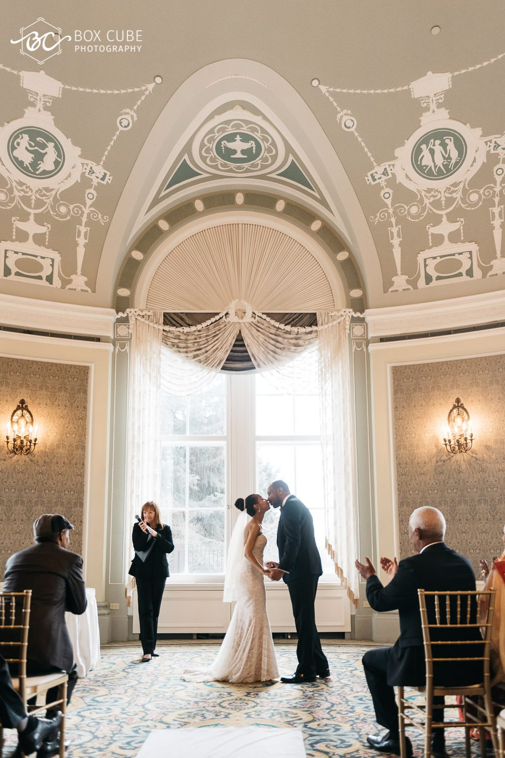 edmonton wedding venue couple kissing photo